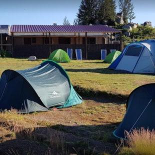 Les tentes devant le refuges de Matalza